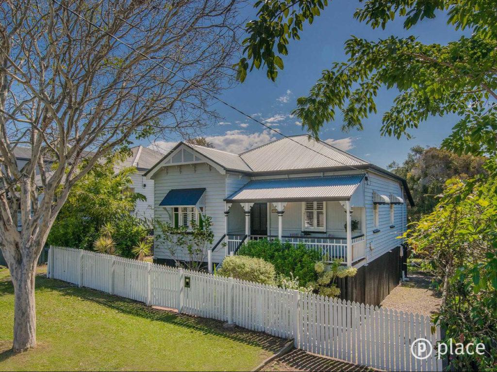 Cottage Garden Bulimba Queenslander exterior