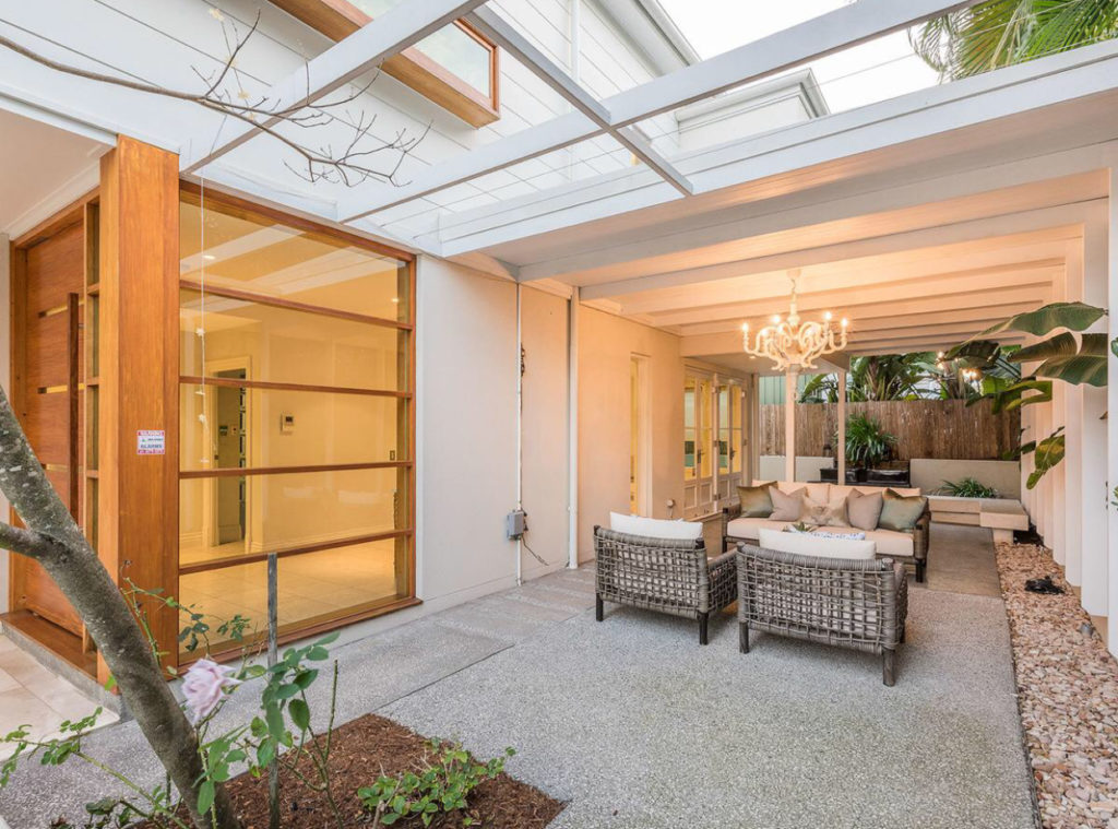 An Architects Take on a Queenslander entry
