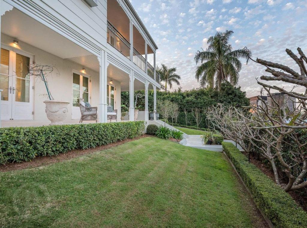 An Architect\'s Modern Take on a Queenslander - QUEENSLANDER HOMES