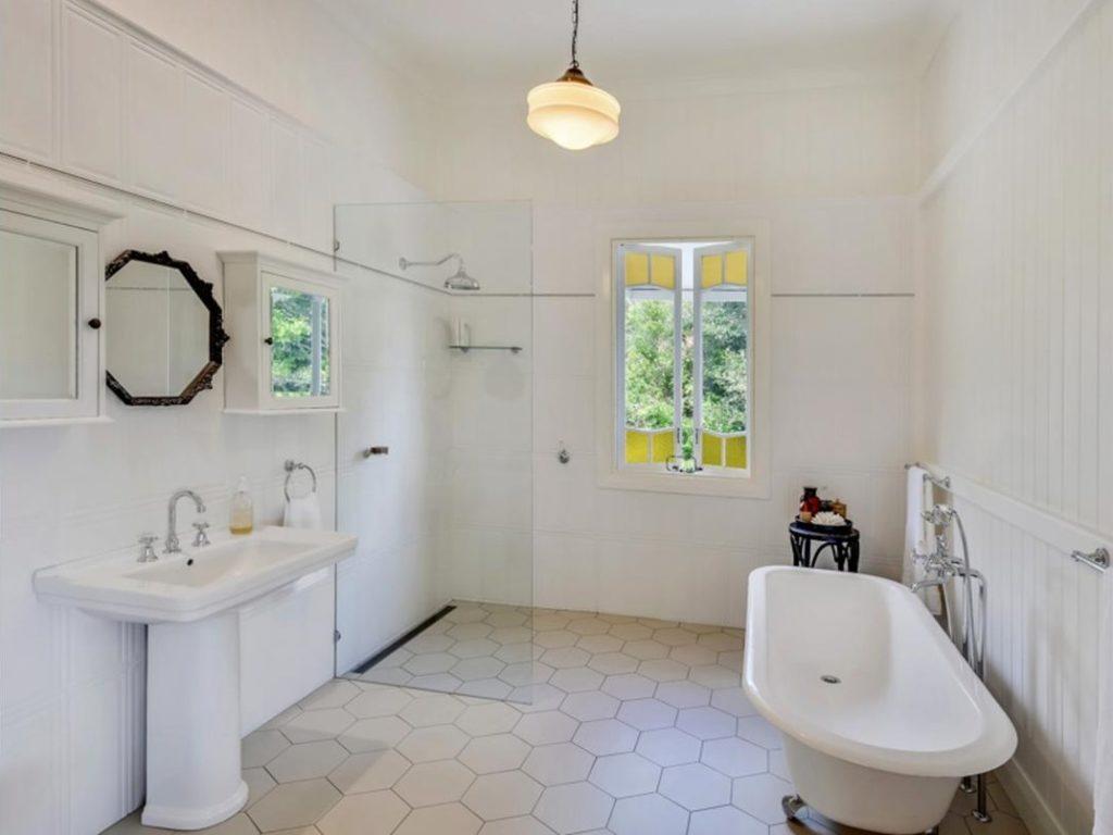 My Dream Queenslander in Maleny bathroom