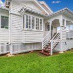 Charming Bangalow Queenslander Plus Cottage