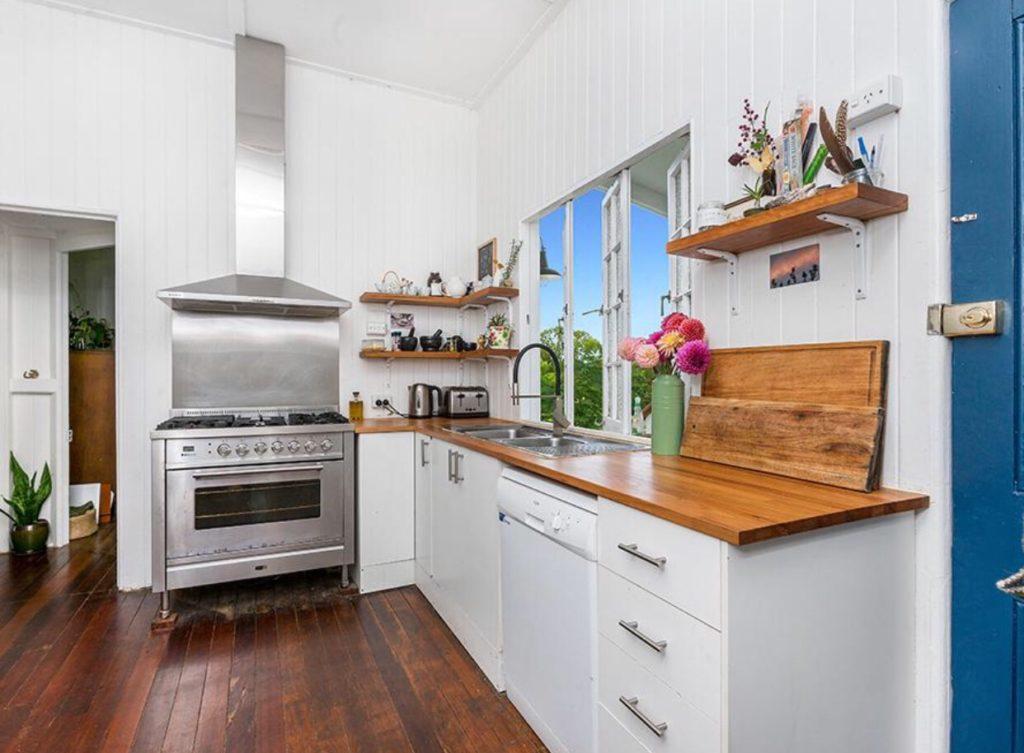 Bangalow Queenslander kitchen