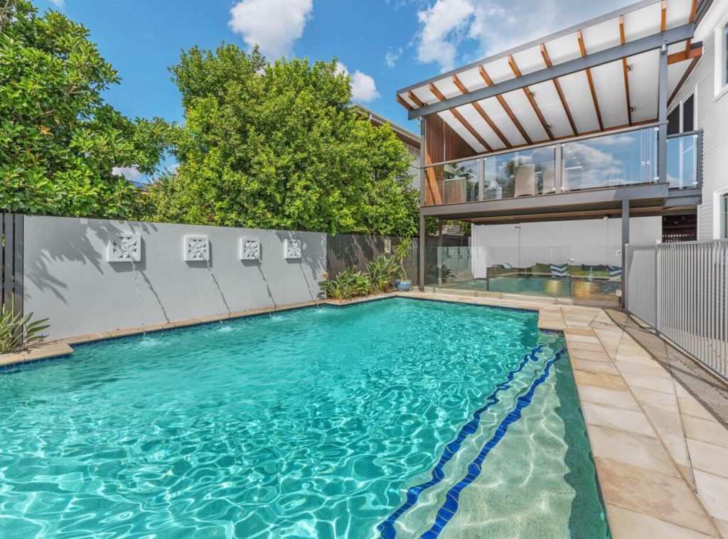 Queenslander Clayfield pool