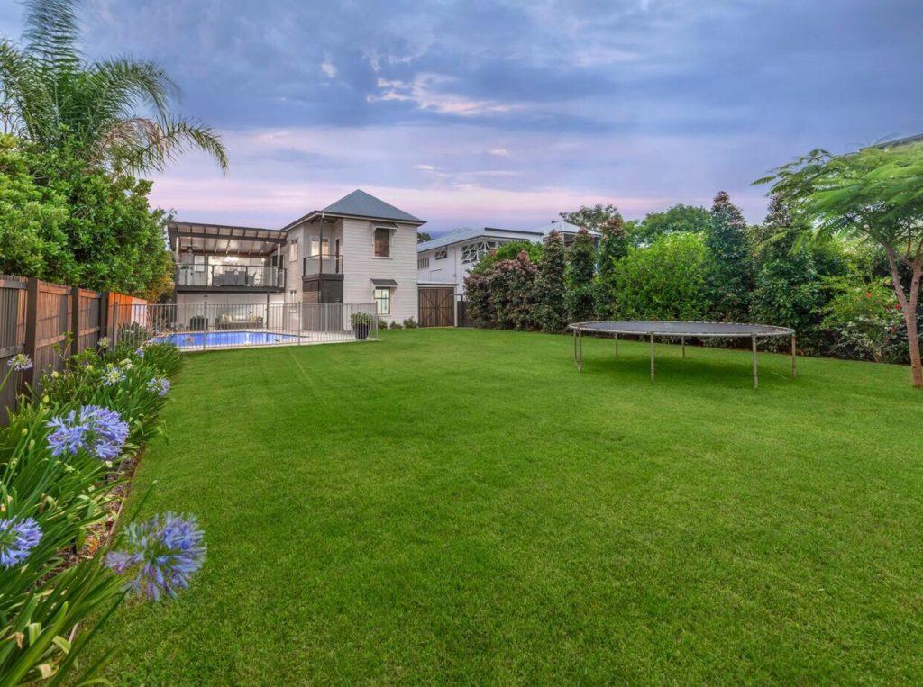 Queenslander Clayfield backyard