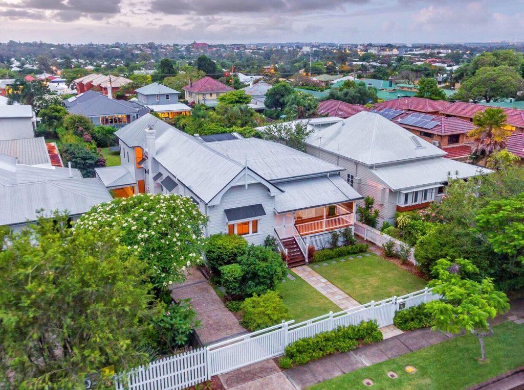 exterior Queenslander clayfield
