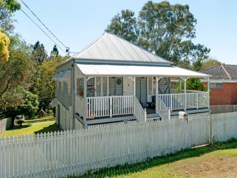 blue queenslander cottage