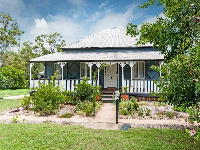 dark blue queenslander cottage
