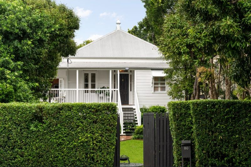Unrenovated Red Hill cottage sells for over $1.2m in Brisbane's hot property market